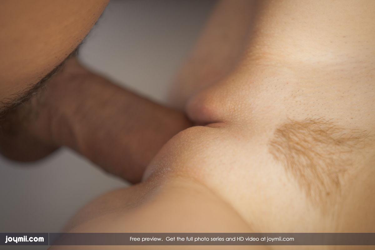 Фото хуй в большой пизде с большими половыми губами и 4 фотография