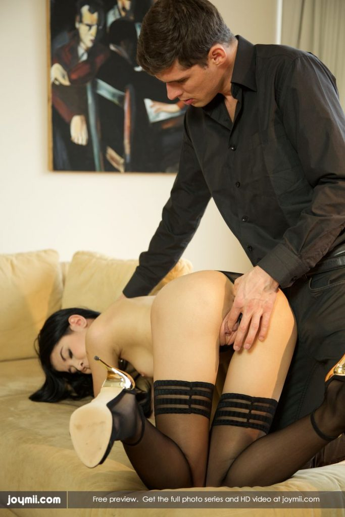 Young brunette slave has er niples bound with string - 3 part 2